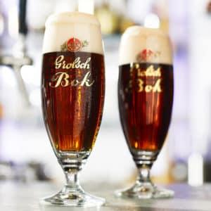 Het perfecte biertje schenkt u in de voetglazen van Beers & Brands