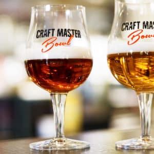 Schenk uw bier in de voetglazen met eigen bedrukking van Beers & Brands