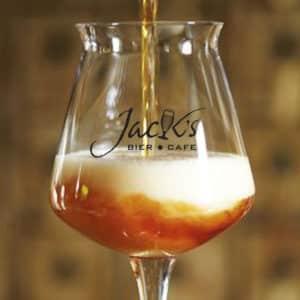 Schenk het perfecte biertje met uw bedrukte bierglazen van Beers & Brands