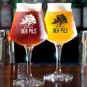 Geniet van het perfecte biertje in uw eigen bedrukte bierglazen van Beers & Brands