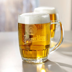 glazen met logo